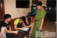 Công an tỉnh Bắc Giang bất ngờ kiểm tra một cơ sở karaoke, phát hiện 14 đối tượng dương tính với ma túy
