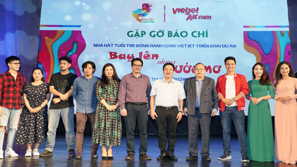 Vietjet, Youth Theatre wing artistic dreams of children