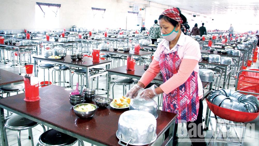 kiểm soát chất lượng,  bữa ăn ca công nhân, kiểm soát nguồn gốc, chất lượng thực phẩm, ngộ độc tập thể, sức khỏe người lao động, sức khỏe, người lao động