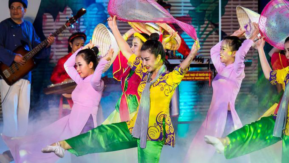 1000 artists, Hoi An int'l choir contest, most famous old town, peaceful meeting place, ideal venue, peaceful competitions, unique national identity