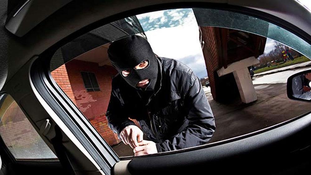 11 thanh niên, cướp tiền, tài xế ôtô, quốc lộ 1A, Nguyễn Bá Thái, xin đểu