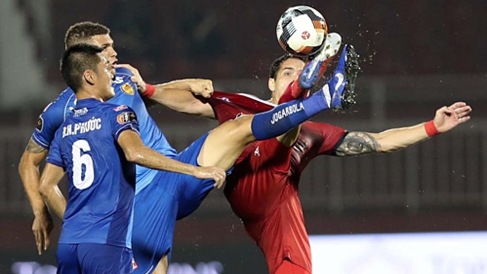 Hà Nội FC - khi gã khổng lồ sơ hở