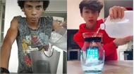 Chàng trai bị bạn lừa đổ nước vào điện thoại