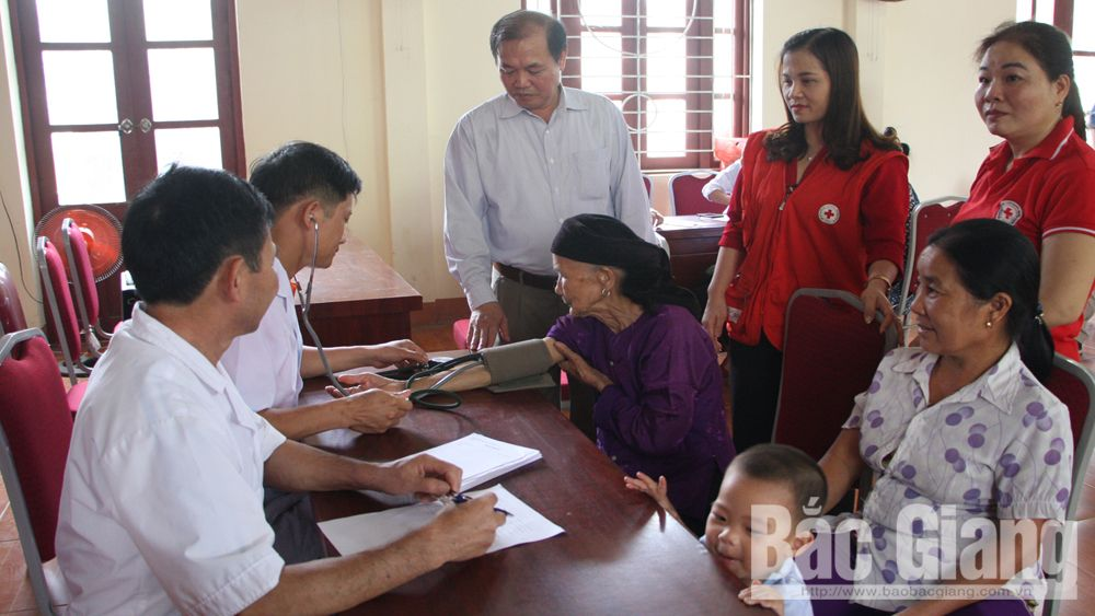 3,000 poor people and policy beneficiaries receive free health checkup and medicine
