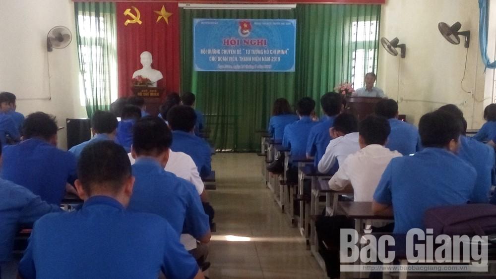 Cán bộ đoàn tìm hiểu chuyên đề tư tưởng Hồ Chí Minh cho đoàn viên, thanh niên