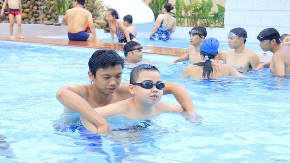 Sáng 19-5, diễn ra, lễ phát động toàn dân tập luyện bơi, phòng chống đuối nước
