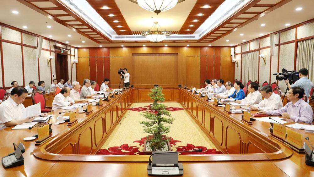Tổng Bí thư, Chủ tịch nước Nguyễn Phú Trọng, chủ trì, họp Bộ Chính trị