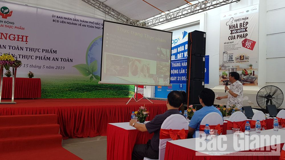 Bac Giang province, supply and demand, clean food, communication event, clean farm produce, Co.opmart Supermarket, African Swine Fever