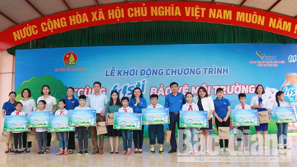 """Khởi động chương trình """"Cùng Fristi bảo vệ môi trường"""" tại Bắc Giang"""