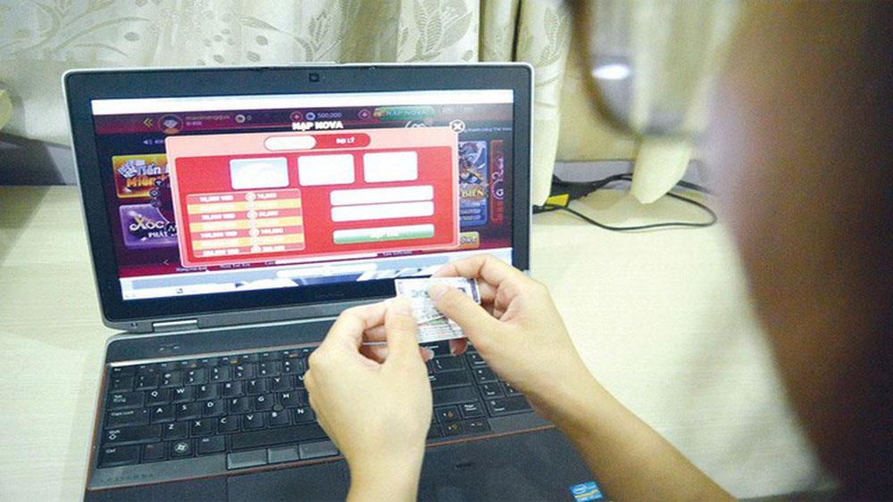 Phó phòng Ban tuyên giáo Tỉnh ủy Đắk Lắk, bị bắt, đánh bạc, Nguyễn Văn Giang