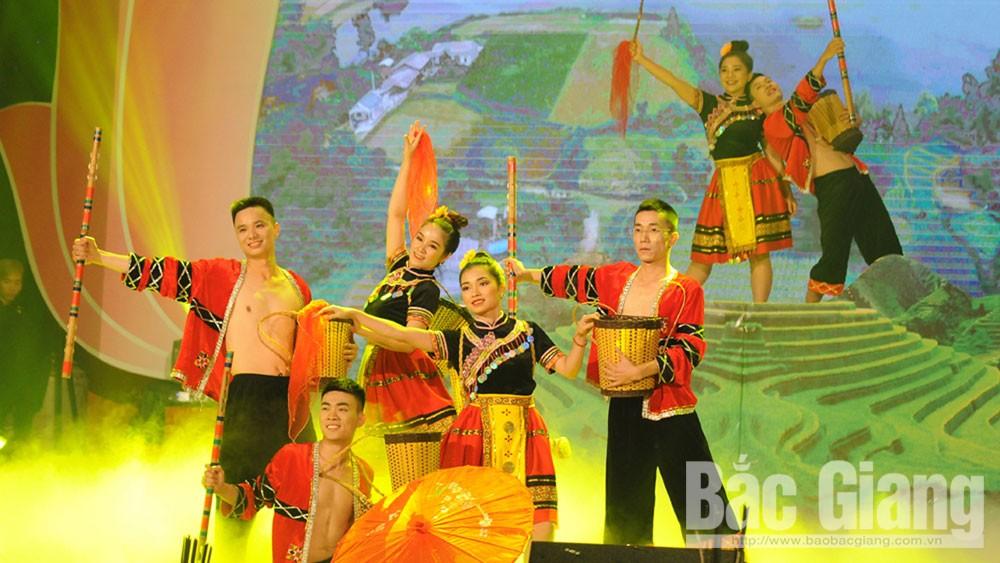 Độc đáo lễ hội cầu mùa của người Dao Sơn Động