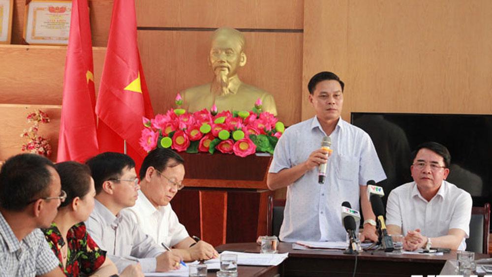 Đánh tới tấp vào đầu, học sinh lớp 2, nữ giáo viên, vừa khóc vừa xin lỗi, Trường Tiểu học Quán Toan, cô giáo Nguyễn Thị Thu Trang