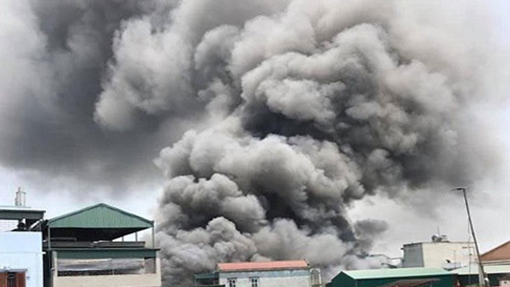 Xưởng gỗ ở Hà Nội, cháy lớn, tháo chạy, cháy xưởng gỗ ở Hà Nội