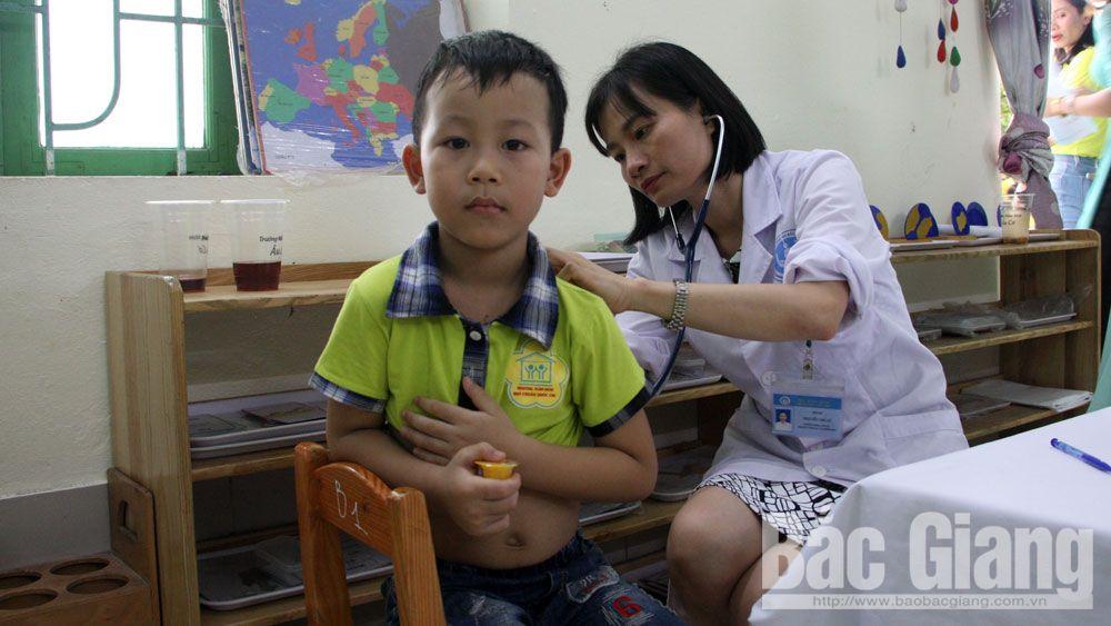Việt yên, lãnh đạo tỉnh, Tết thiếu nhi, thăm tặng quà, Phó Bí thư Thường trực Tỉnh ủy Bắc Giang Lê Thị Thu Hồng
