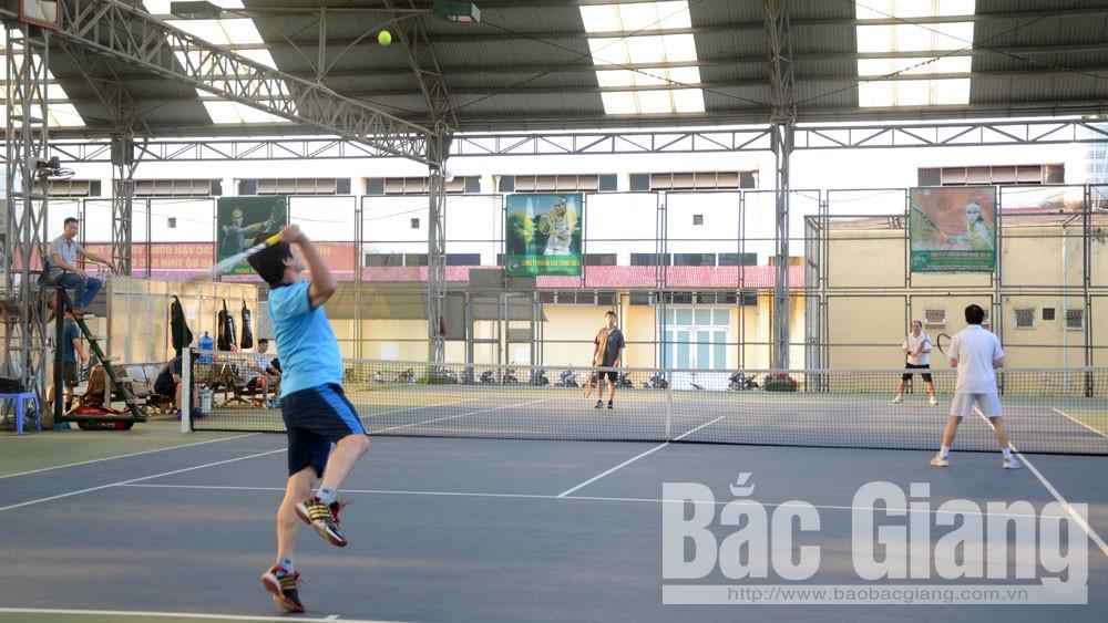 Liên đoàn quần vợt, giải các CLB, toàn tỉnh, hơn 100 VĐV