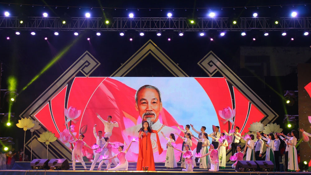 Sen Village festival in Nghe An celebrates Uncle Ho's birthday
