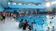 Thời tiết nắng nóng, các bể bơi đông nghịt người