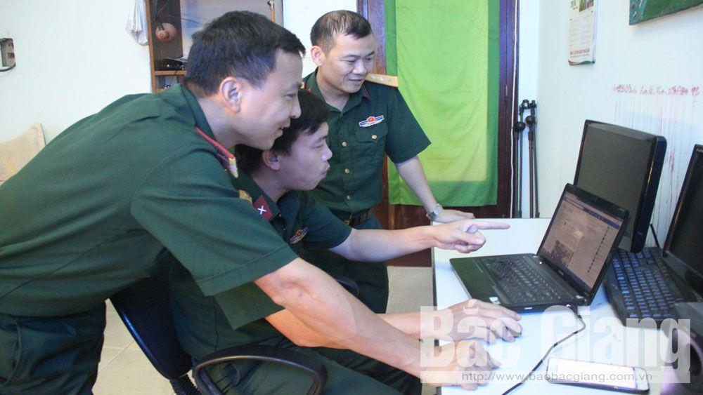 Học và làm theo Bác: Nêu cao trách nhiệm của cán bộ, chiến sĩ