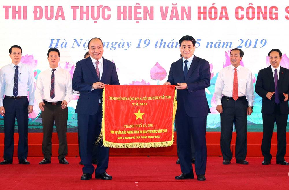 """Thủ tướng Nguyễn Xuân Phúc, phát động, Phong trào thi đua, """"Cán bộ, công chức, viên chức, thi đua thực hiện văn hóa công sở"""""""