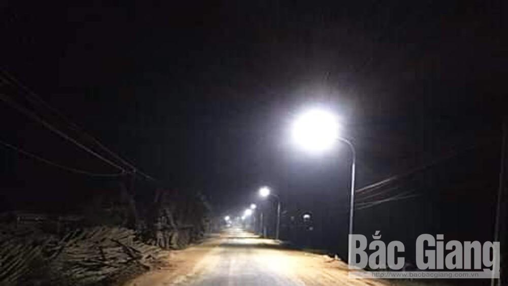Nguyễn Thị Hậu, Ủng hộ xây dựng quê hương, Huyện Yên Thế