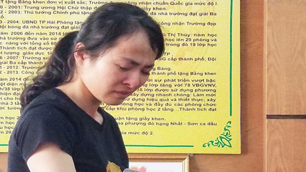 Cô giáo, đánh nhiều học sinh trong giờ thi, bị thôi việc, giáo viên Nguyễn Thị Thu Trang, Trường Tiểu học Quán Toan,