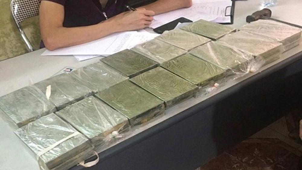 Cả gia đình bị bắt giữ, vận chuyển, 30 bánh heroin, Lưu Ngọc Dương, Đào Thị Hải
