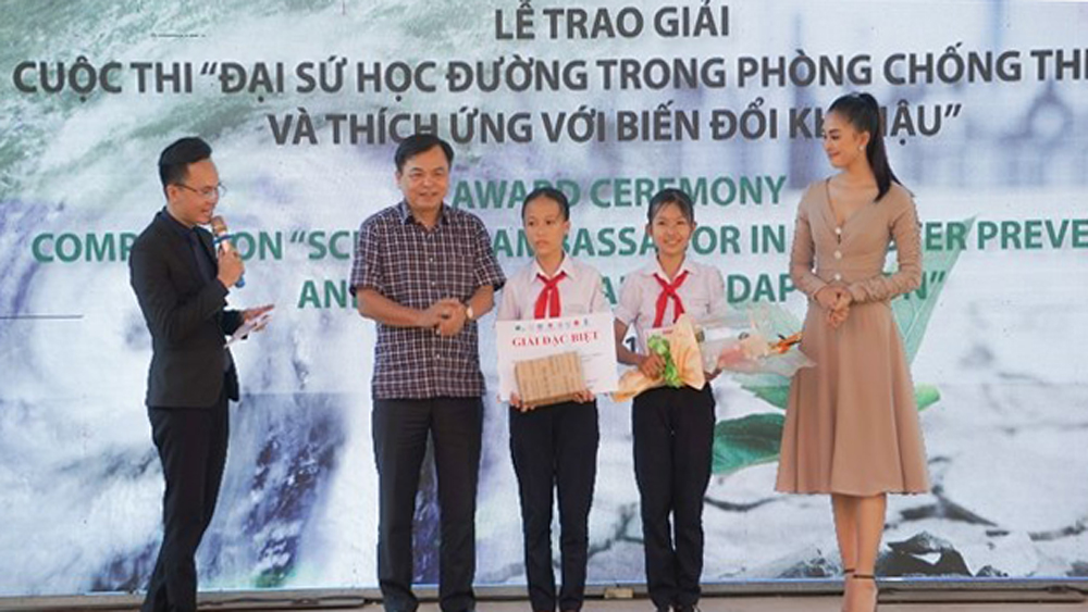 Seventh graders win environmental documentary award