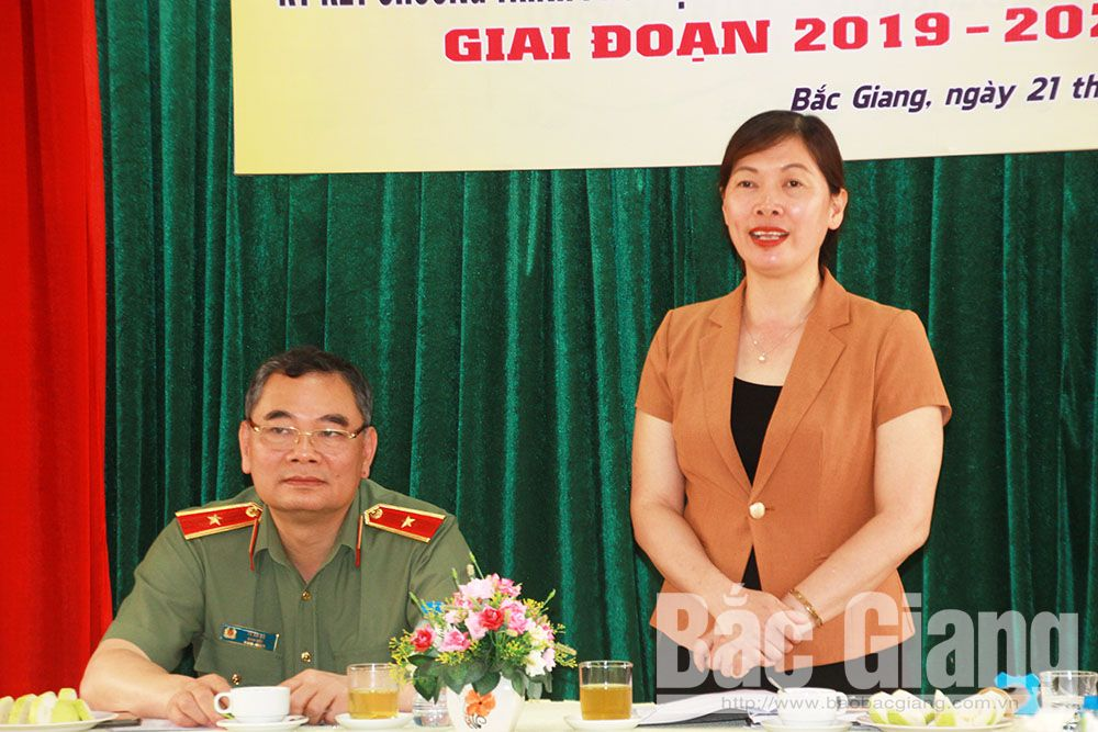 Bac Giang province, coordination programme, protect women and children, law communication and education, legal rights and benefits