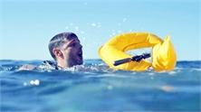 Phao cứu sinh tự phồng trong hai giây khi chạm nước