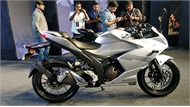 Suzuki Gixxer SF 250 mới - đối thủ của Honda CBR250R