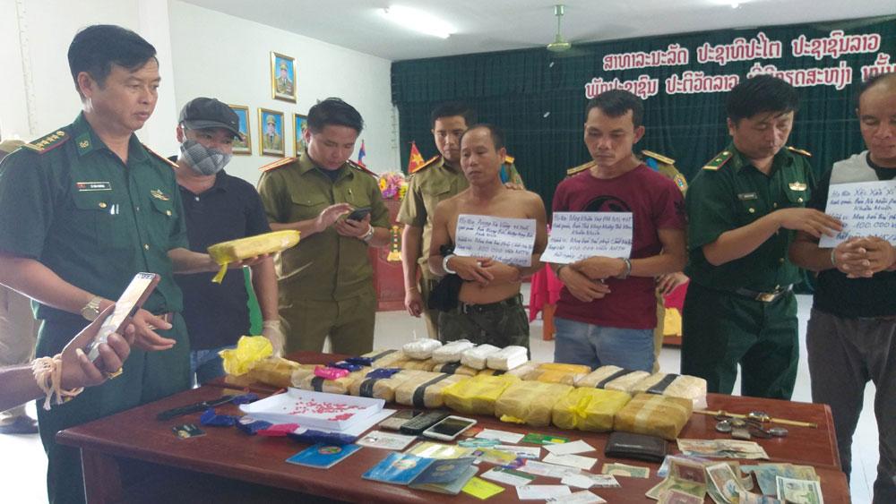 Quảng Trị, bắt giữ, 3 đối tượng, vận chuyển 100.000 viên ma túy từ Lào về Việt Nam, Poong xa Vang nhưn Nhông, Xệc Xắn Xỉ Thoong
