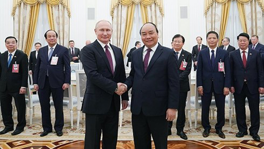 PM Nguyen Xuan Phuc, President V. Putin, two-way trade value, basic principles, bilateral diplomatic ties, comprehensive strategic partnership, practical benefits