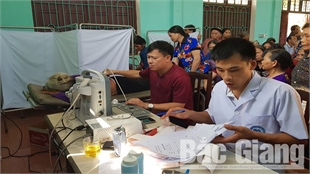 Hiep Hoa strives to complete making public health management record within October