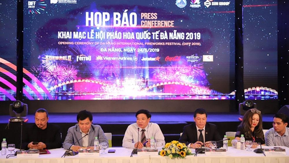 """Khai mạc DIFF 2019, Đà Nẵng, sẵn sàng, khai mạc, Lễ hội pháo hoa Quốc tế năm 2019, """"Cội nguồn"""", """"Những dòng sông kể chuyện"""""""