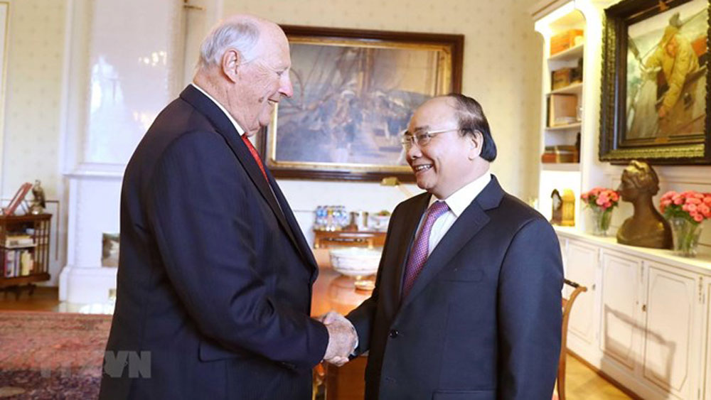 PM Nguyen Xuan Phuc meets with Norwegian King