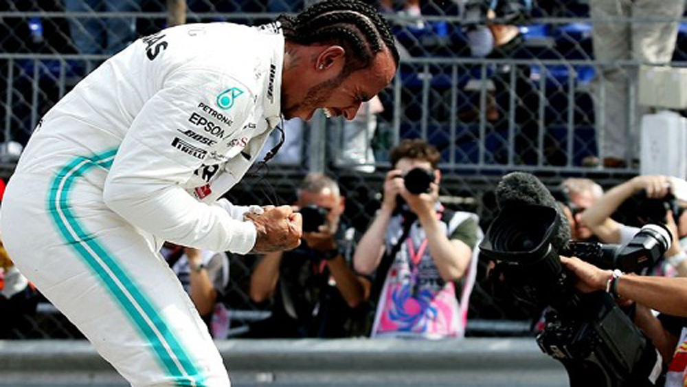Hamilton, vượt Bottas, giành pole, ở GP Monaco