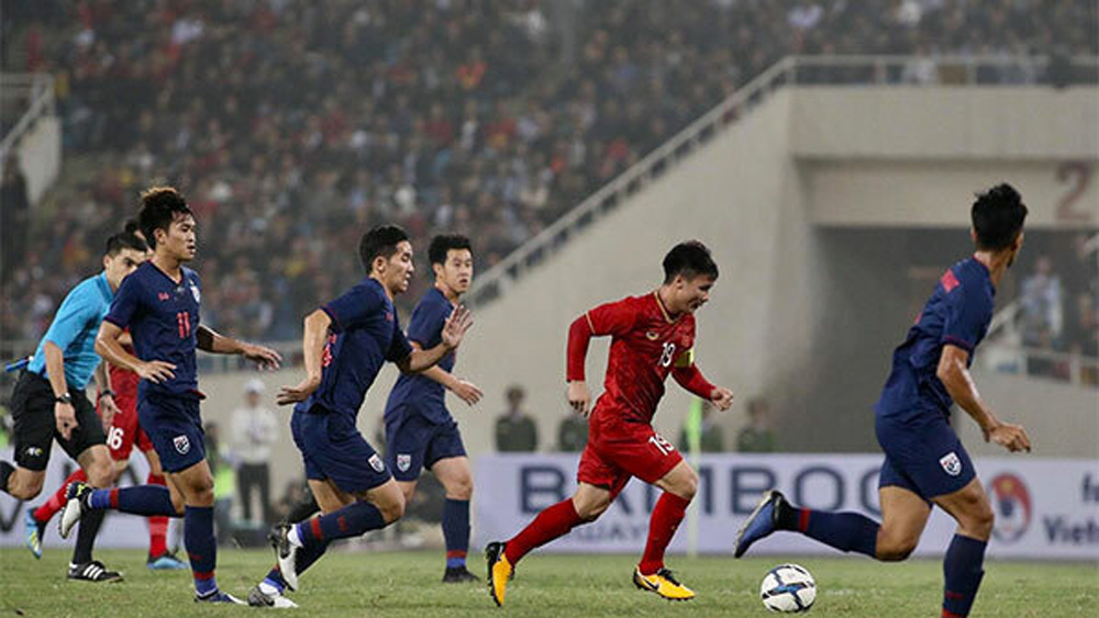 Vietnam football team, athlete tracking monitor, national team, King's Cup, sensors for tracking, sports performance tracking devices, OptimEye X4
