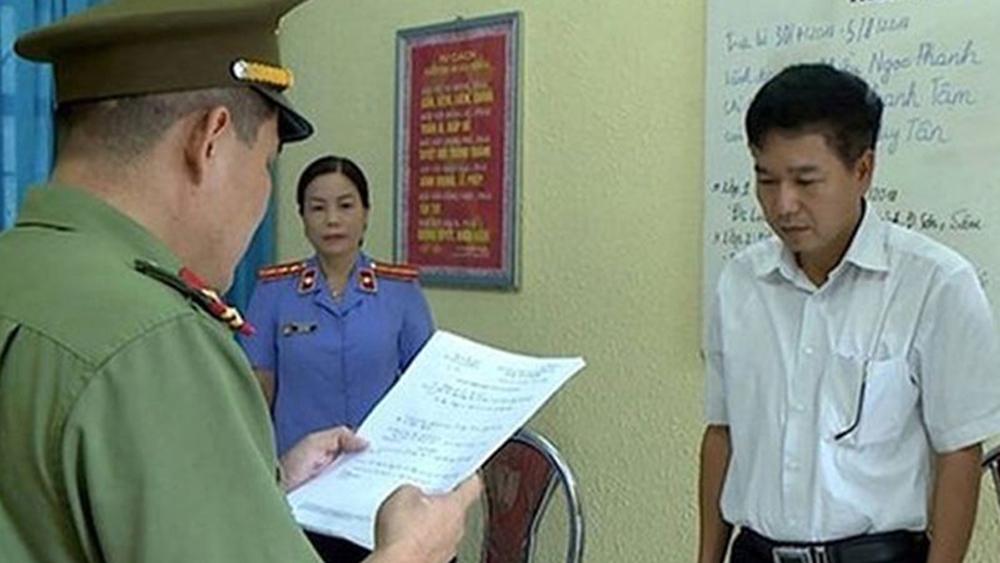 gian lận thi cử,  Sơn La, khởi tố, khai trừ  Đảng, Trần Xuân Yến, Sở Giáo dục và Đào tạo tỉnh Sơn La