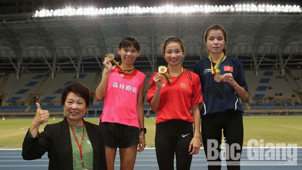 Nguyen Thi Oanh, two golds, Taiwan Athetics Open, Bac Giang province, track and field team, excellent manner, personal record