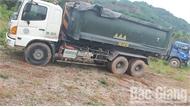 Hoàn thành thu gom hóa chất bị đổ trộm tại xã Lục Sơn (Lục Nam)