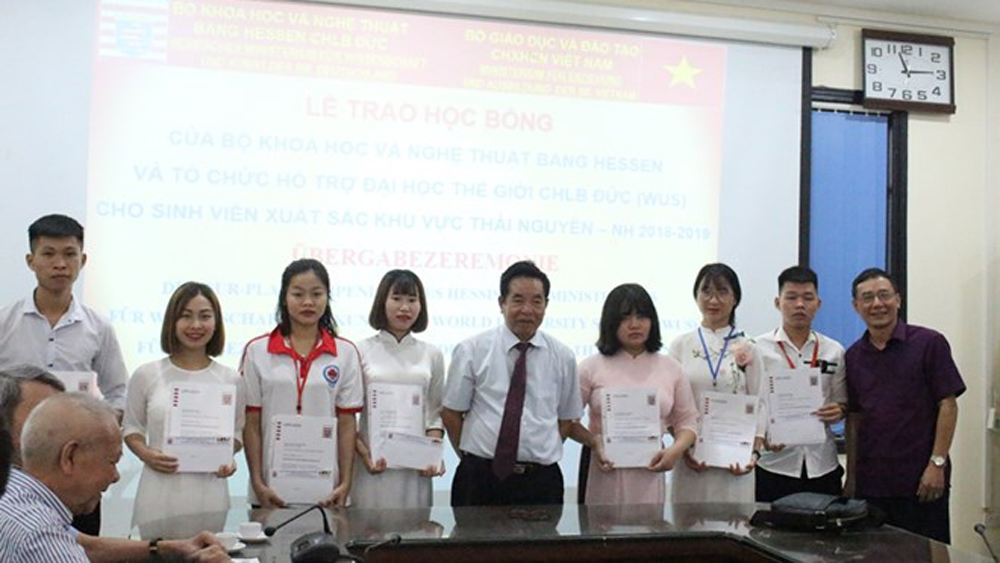 German scholarships, Vietnamese students, educational institutions, Hessen scholarship programme, high academic performances