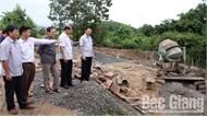 Nâng cấp hạ tầng, thúc đẩy sản xuất để cải thiện đời sống nhân dân