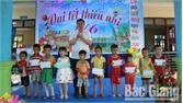 Lãnh đạo huyện Lục Nam thăm, tặng quà nhân ngày Quốc tế Thiếu nhi 1-6