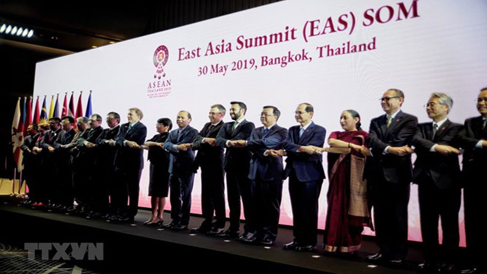 Vietnam, ASEAN Plus Three, EAS SOMs, Deputy Foreign Minister Nguyen Quoc Dung, dialogue and cooperation, East Sea issue