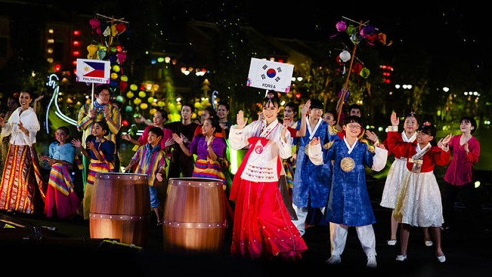 Impressive festival, International Children's Festival, Hoi An town, Impressive art performances, festive atmosphere, tourism complex