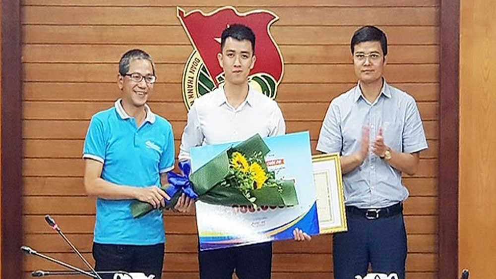 Multi-terrain, waste collection machine, top prize, young volunteers' creation contest, Vietnamese and foreign students, 2019 Summer Volunteer Campaign