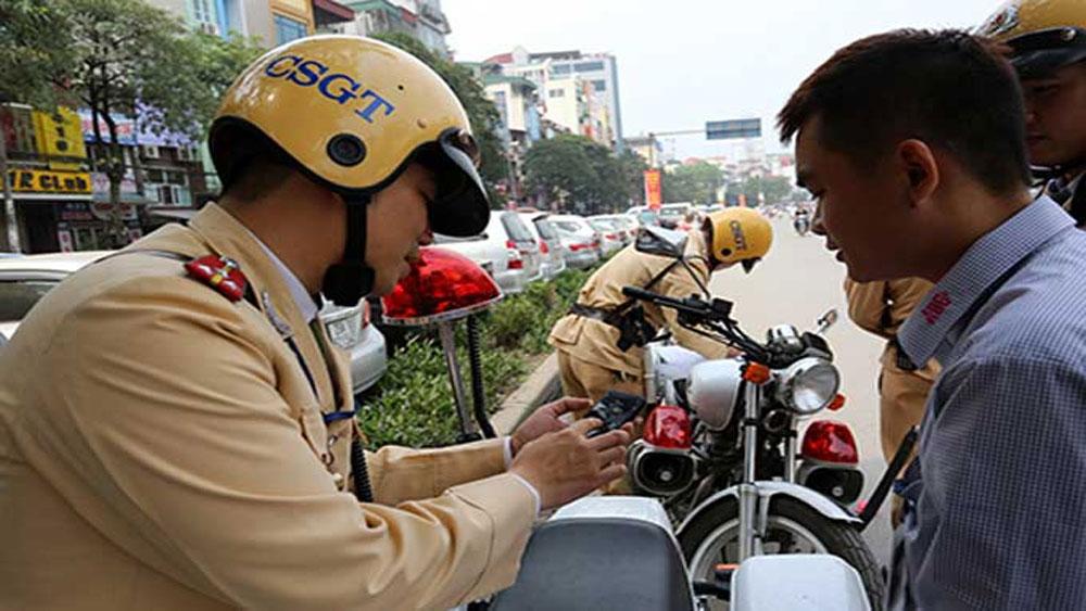 Cảnh sát giao thông sẽ được cấp máy tính bảng để tra lỗi vi phạm của tài xế
