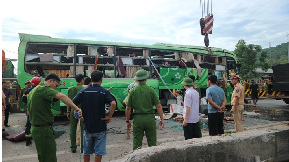 Xe khách lao xuống sông, Xe khách Bắc Giang, Xe khách lao xuống sông biển số Bắc Giang, Tai nạn giao thông