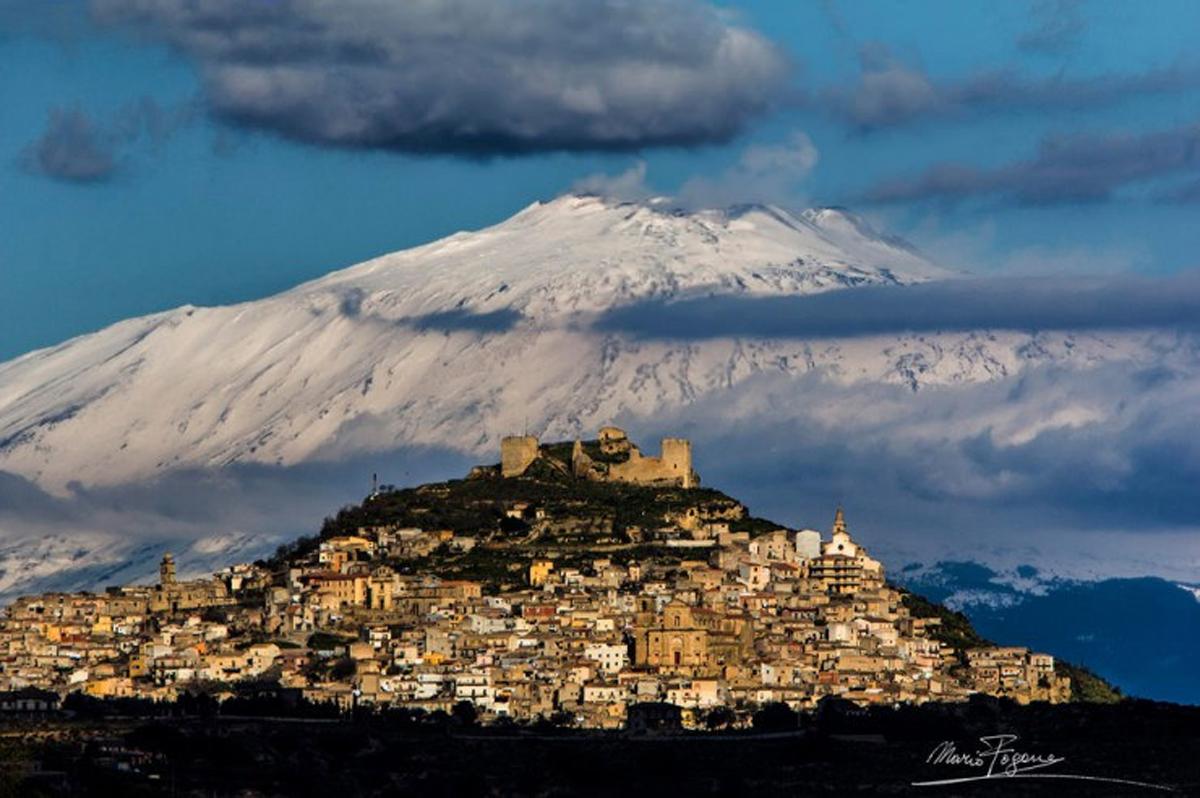 thị trấn bí ẩn, chênh vênh trên ngọn núi, núi cao, du lịch, kỳ bí, bí ẩn, vẻ đẹp