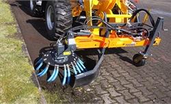 Cỗ máy diệt cỏ không cần phun hóa chất